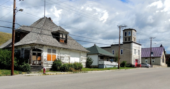 International Coal & Coke Office, built in 1904. Followed by the Coleman Fire Station, which also served as town hall and the local library until 1979. In the distance, St. Paul's United Church dedicated in 1906.